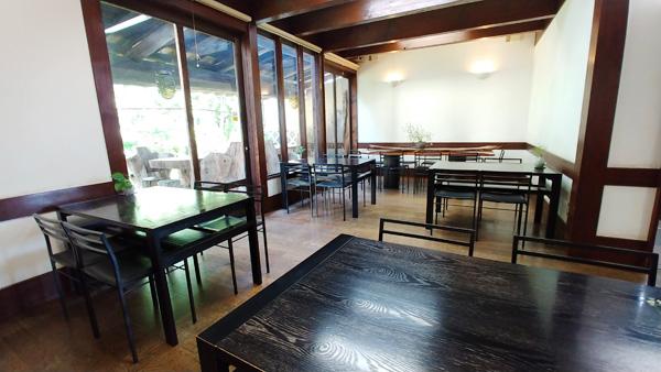 店内のカフェスペース写真