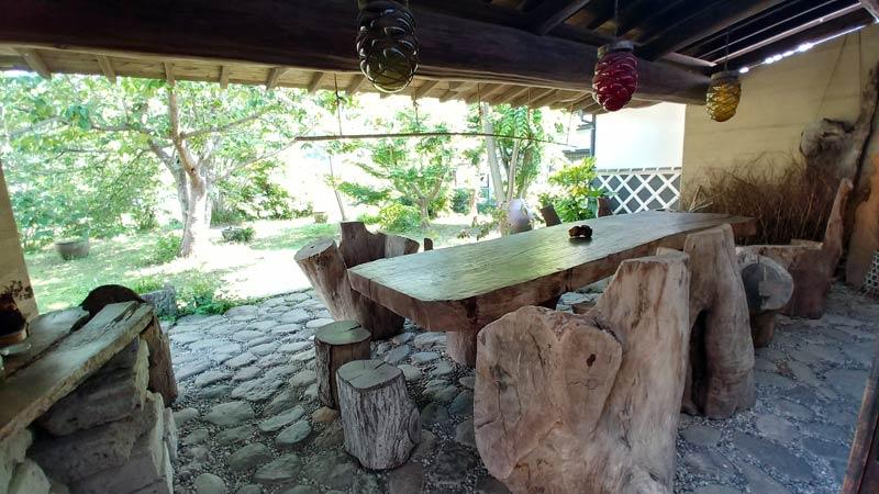 外の喫茶スペース