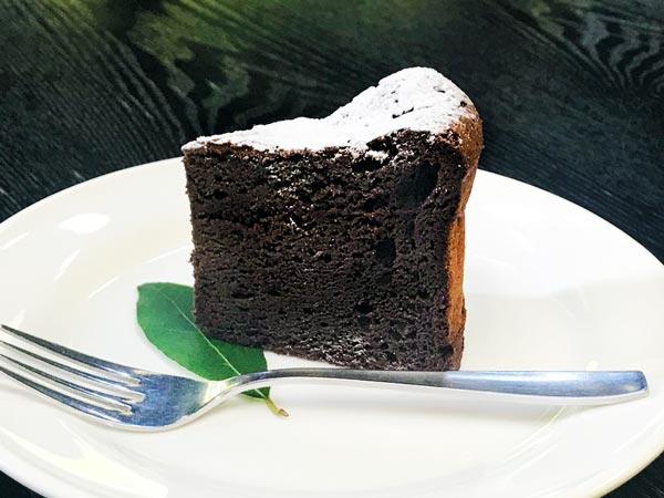 フランボワーズのショコラケーキ