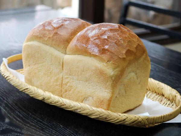 フランボワーズの上食パン